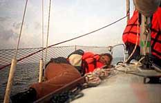 По дороге на остров Топ: борьба с морской болезнью. Август 2002 г.
