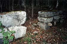 Остатки монастырского скита на Кондострове в Онежском заливе. Август 2003 г.