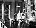 Аптека при центральном лазарете. Здесь работал протоиерей Сергий Голощапов. Фото 1924 г.