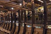 Галереи музея и строящийся корабль