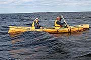 Берестяная лодка в Белом море. Конец мая 2009 г.
