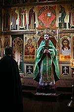 На службе в храме Воскресения Христова