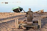 Ворот, лодка, сети, рыбаки