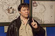Один из организаторов музея Василий Журавлев. Фото С.Тупталова