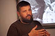 О Соловецком морском музее рассказывает Алексей Лаушкин. Фото С.Тупталова