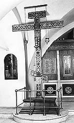 Кийский крест. Храм прп. Сергия Радонежского в Крапивниках в Москве