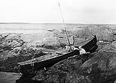 Илл. 1. Лодка пережидает отливное течение