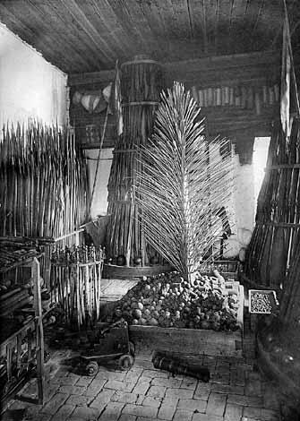В соловецком арсенале. Фото Я.Лейцингера, 1899