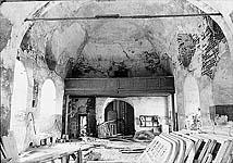 Илл. 15. Интерьер церкви. Вид на западную стену (до реставрации)