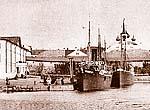 Пароходы у монастырской пристани