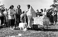 Крещение в 1990 г. Фото из архива А.Мельник