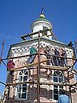 Реставрация Петровской часовни летом 2004 г.