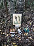 Икона на месте сгоревшей избы преподобномучеников